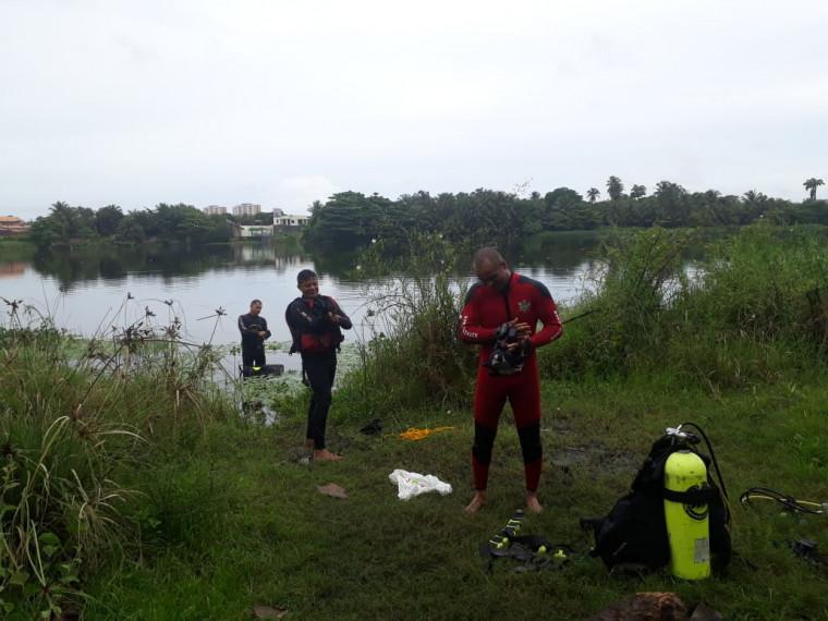 Bombeiros na Lagoa da Maraponga