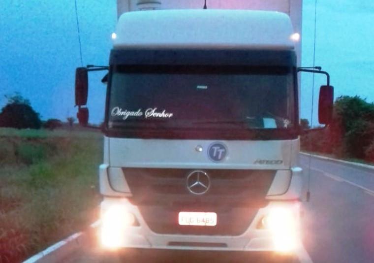 Veículo dirigido pelo caminhoneiro