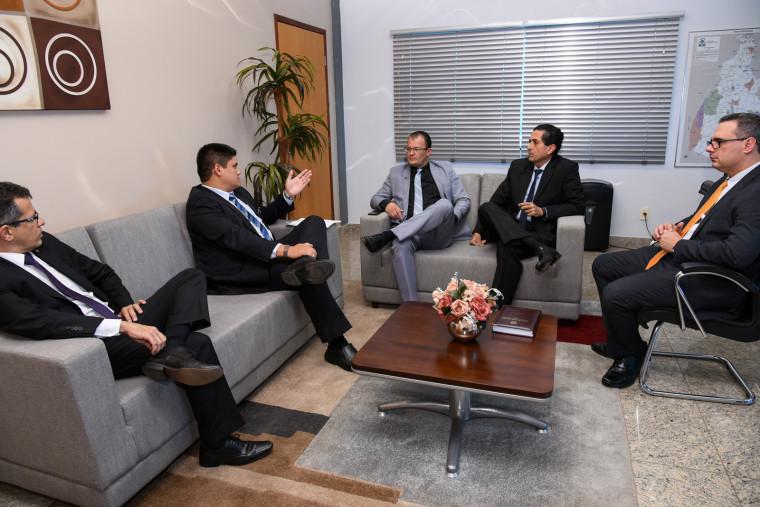 Reunião entre delegados e Procurador-Geral de Justiça