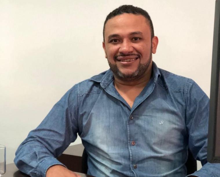 Cleiton Cantuário é prefeito de Cristalândia do Tocantins