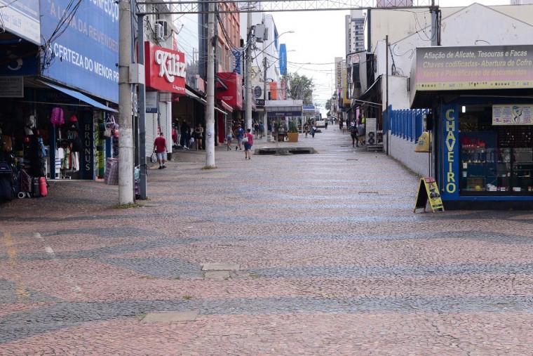 Comércio começa a fechar as portas em várias cidades do Brasil
