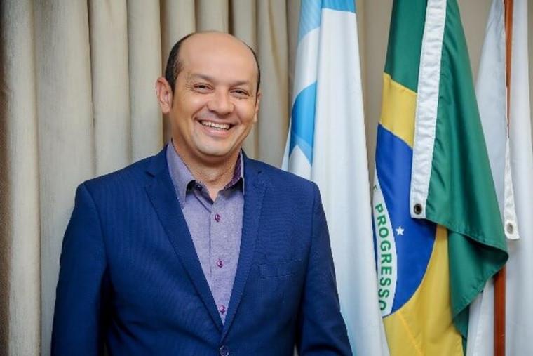 Prefeito de Augustinópolis, Júlio Oliveira (PRB)