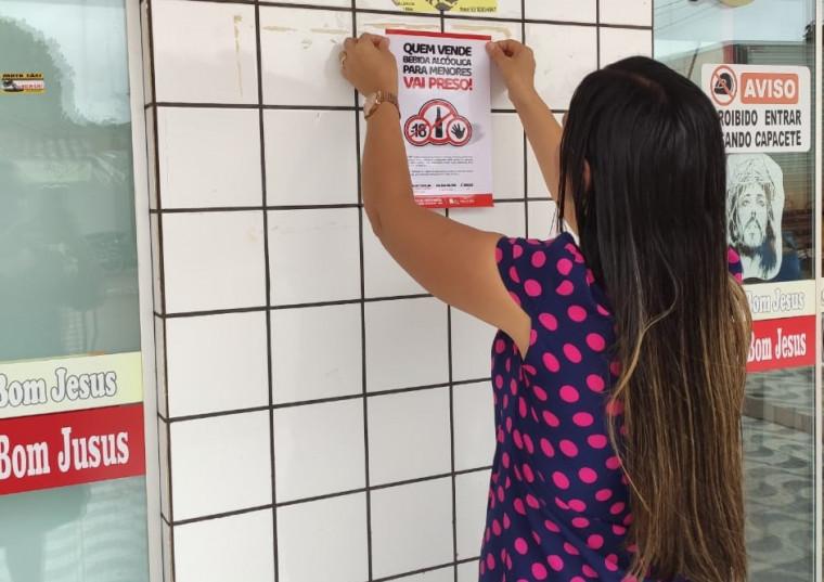 Estabelecimentos estão recebendo o cartaz da campanha