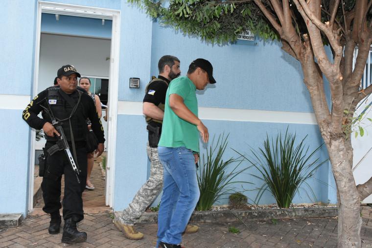 Momento da prisão do vereador na residência dele