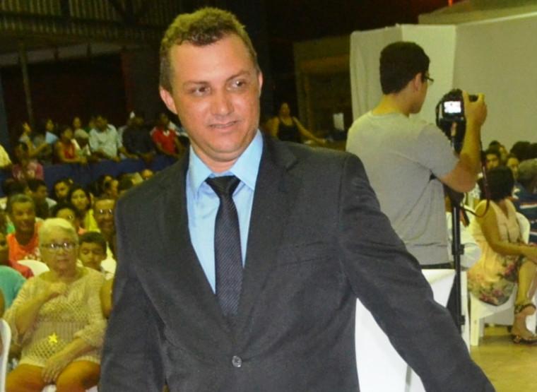 Vereador Bonfim do Açougue é acusado de agredir verbalmente e ameaçar a colega