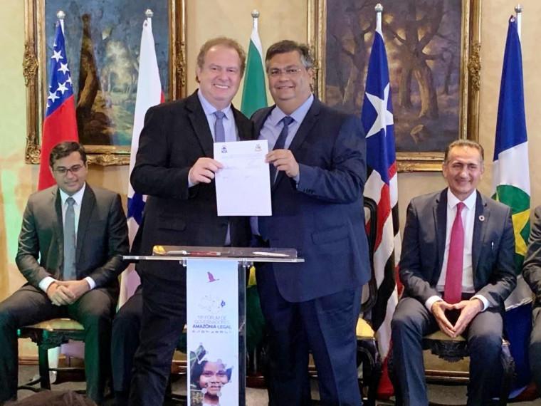 Mauro Carlesse e Flávio Dino estão no Fórum de Governadores