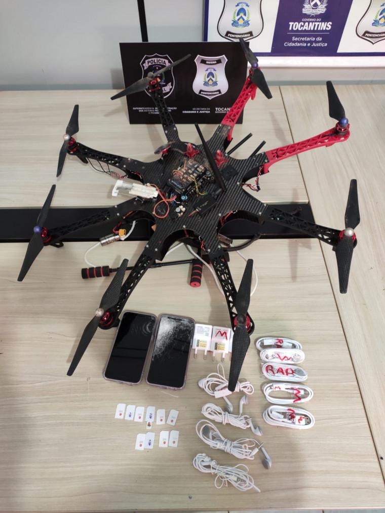 O Drone depositou os objetos no Pavilhão B durante o banho de sol na tarde desse domingo (28)