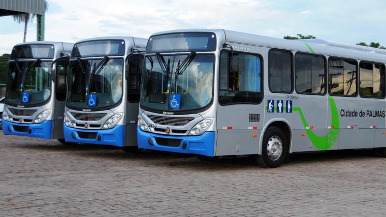 Ônibus estão parados em Palmas e funcionários cumprem aviso prévio