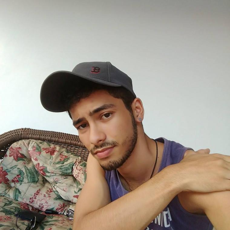 Andrey é estudante de Agronomia