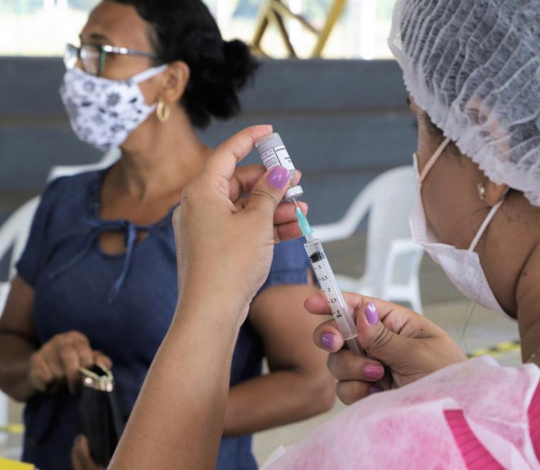 Moradores em geral estão sendo vacinados a partir de 49 anos