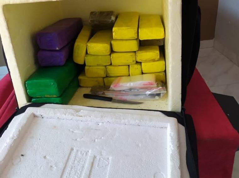 Caixa usada para delivery de drogas na Capital