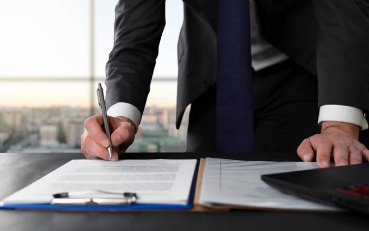 Após a promulgação da lei, advogados e contadores poderão ser contratados sem licitação