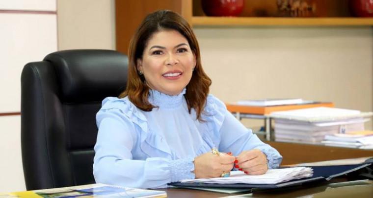 Secretária da Educação, Adriana Aguiar
