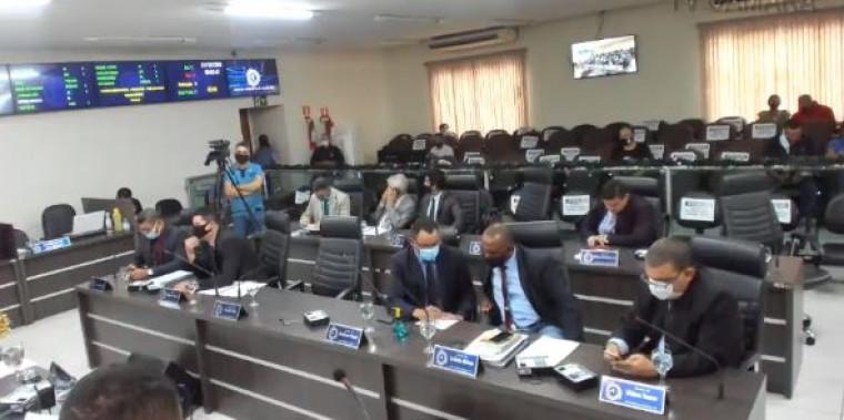 Vereadores durante votação da LOA