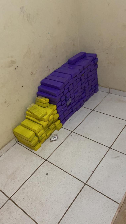 Aproximadamente 100 kg de drogas foram apreendidas