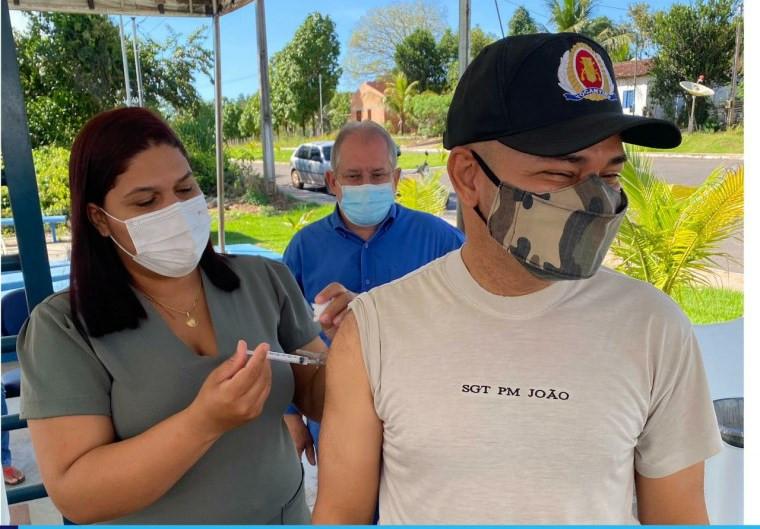 Profissionais da segurança pública também já foram vacinados em Muricilândia