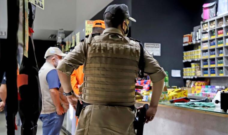 Força-tarefa orienta funcionários de distribuidora no centro de Palmas