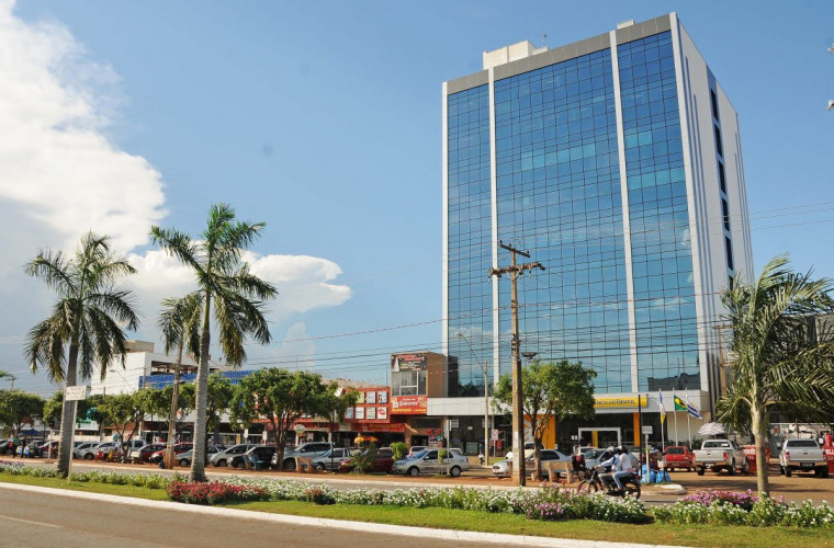 Prédio alugado onde funciona a Prefeitura de Palmas