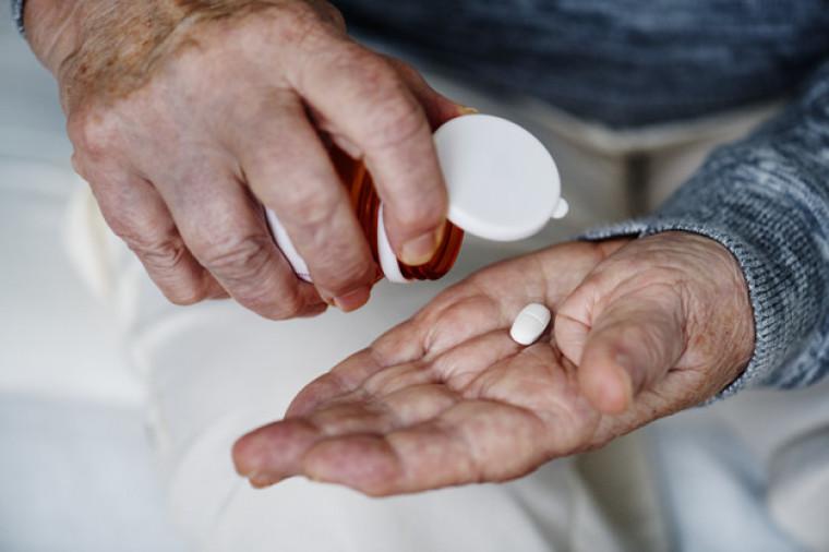 Medicamento usado no tratamento é o Pirferidona