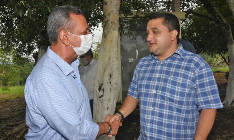 Em Sítio Novo, o Governador em exercício foi recepcionado pelo prefeito reeleito, Alexandre Farias