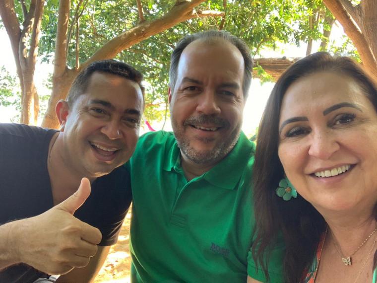 Wanderley Milhomem, senadora Kátia Abreu e o marido, superintendente do Sebrae Moisés Gomes