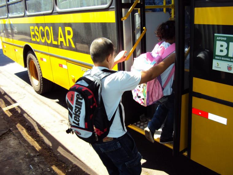 Prefeitura vai contratar 97 veículos tipo van, micro-ônibus e ônibus