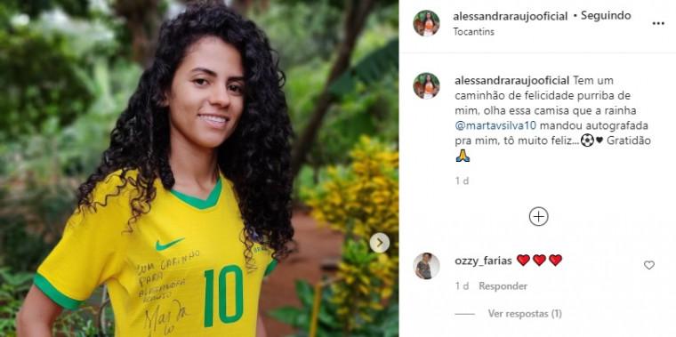 Camisa 10 da Seleção, Marta deu presente inesquecível à jovem Tocantinense.