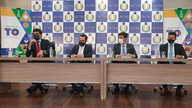 Acordo foi anunciado em coletiva de imprensa nesta segunda-feira, 13