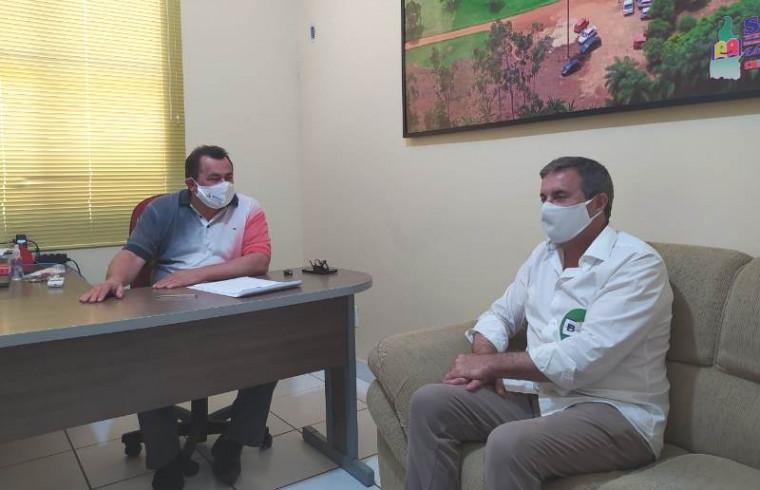 Gil Barison em reunião com presidente do Sintet
