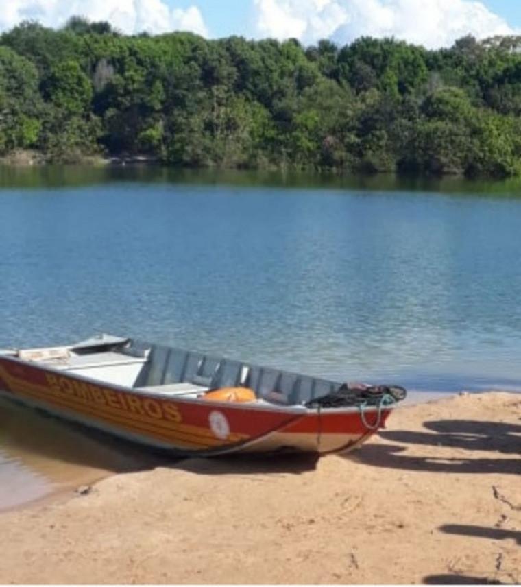 A represa é conhecida como Lagoa Azul