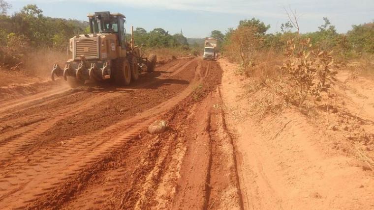 Rodovias pavimentadas e não pavimentadas estão sendo beneficiadas