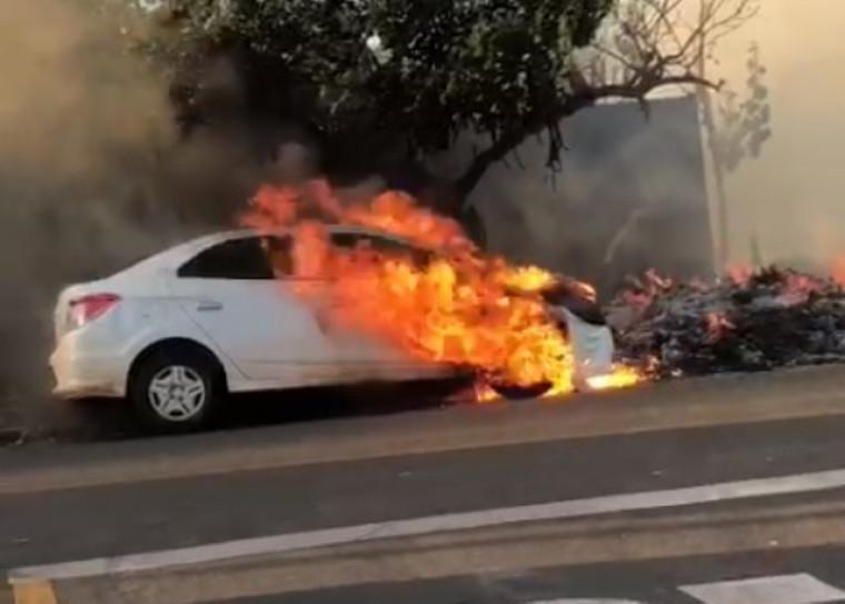Veículo em chamas