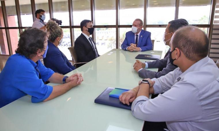 Encontro do empresário com os prefeitos e o governador