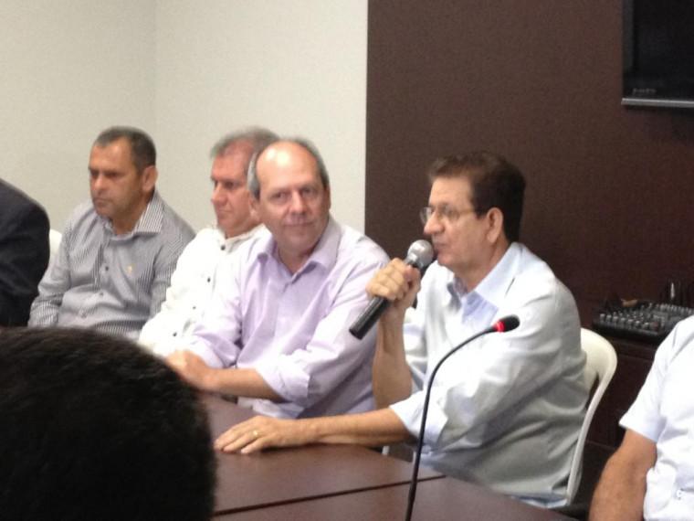 Foto de quando Palito declarou apoio a Dimas para prefeito em 2012