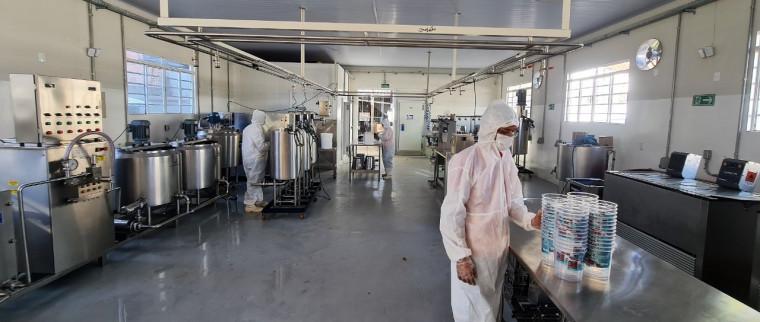 Na Capital, a fábrica compete com as grandes marcas nacionais