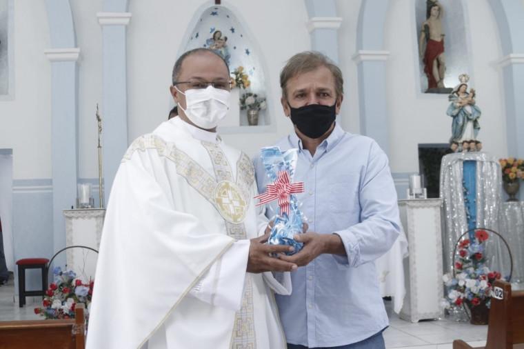 Siqueira campos Júnior e o Padre Marco Aurélio