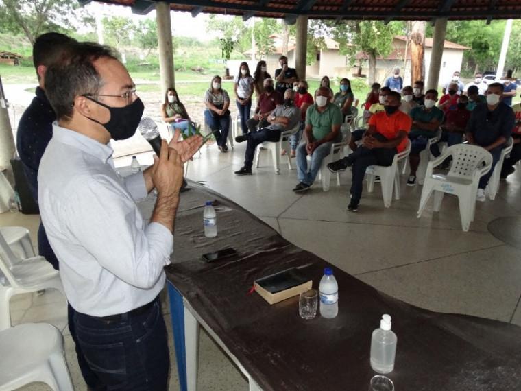 Prefeito Wagner Rodrigues (com o microfone) no Centro Municipal de Tratamento para Dependentes Químicos