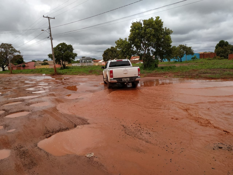 Principal avenida do Setor Morada do Sol durante o período chuvoso