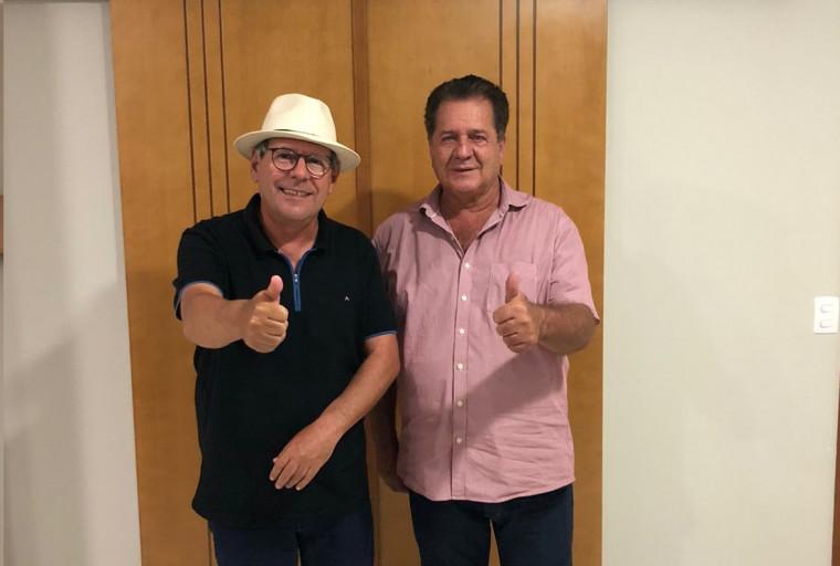 Ronaldo Dimas e ex-prefeito de Pequizeiro, João Abadio