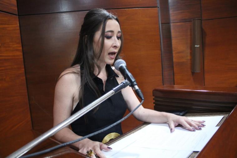 Nova presidente do Sindepol, Sarah Lilian