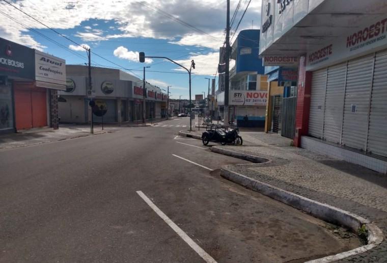 Comércio fechado no centro de Araguaína