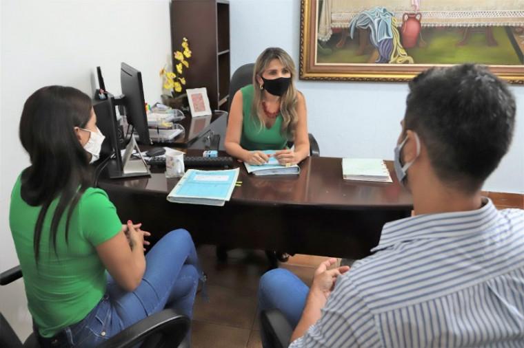 A secretaria é responsável por todos os atos de pessoal e gestão