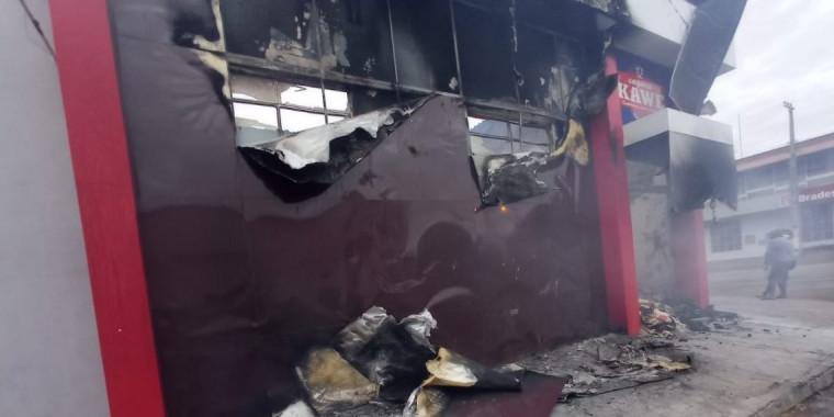 A loja onde o incêndio teve início ficou completamente destruída