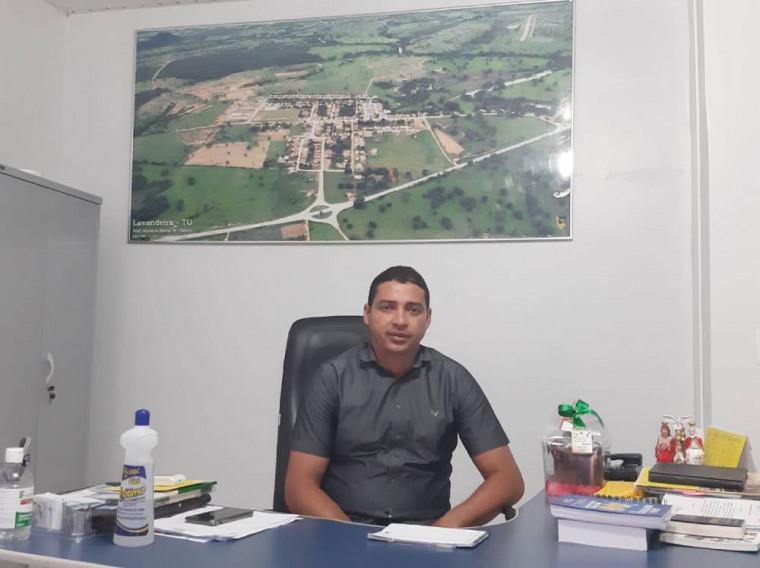 Prefeito de Lavandeira, Roberto César
