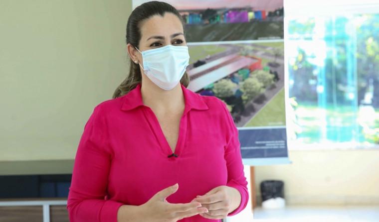 Prefeita Cinthia Ribeiro se contradiz entre discurso e prática