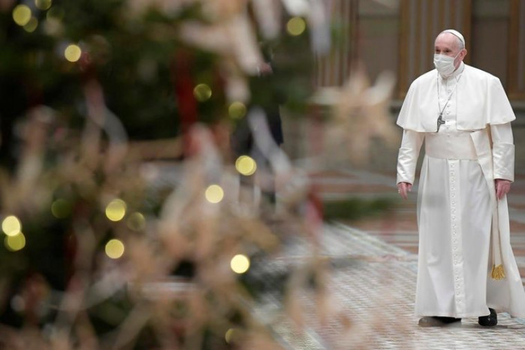 """""""Diante de um desafio que não conhece fronteiras, não podemos erguer muros"""" diz o Papa."""
