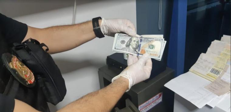 Dólar apreendido em farmácia na região do Bico