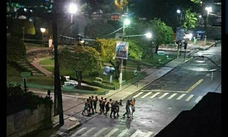 Bandidos fortemente armados usaram moradores como reféns para circular pela cidade de Cametá (PA)