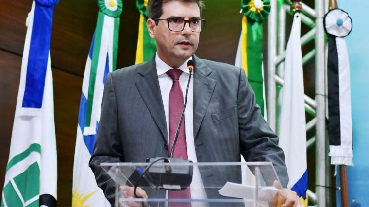 Renato Assunção tem bom trânsito em Brasília