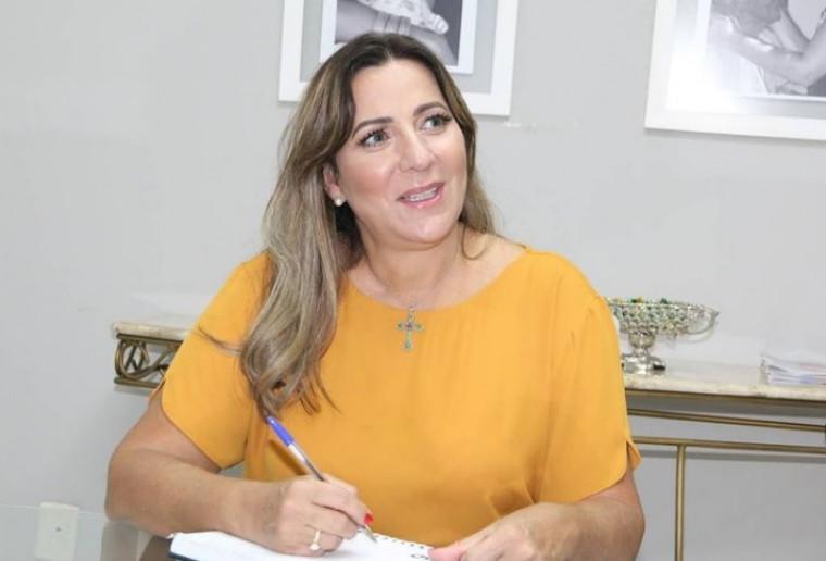 Dulce Miranda visita região do Bico do Papagaio